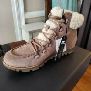 NWT Sorel Cozy Leather Boot - Size 8.5